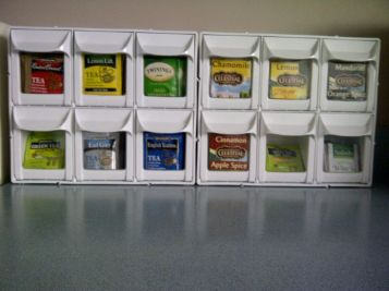 DIY Kitchen Organization: Tea Bag Display #organizing #kitchen #tea #teabags