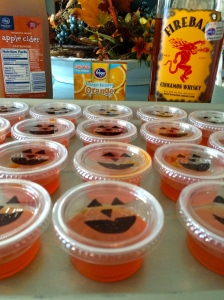 Fireball Jack-o'-Latern Jello Shots #yummy #jelloshots #fireball #cider #spice #fall