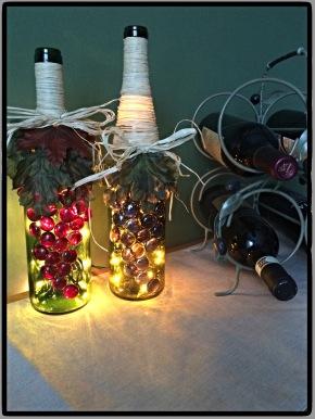 DIY Repurposing: Wine Bottle Decor and Light #DIY #craft #repurpose #winebottle #centerpiece #decor #light